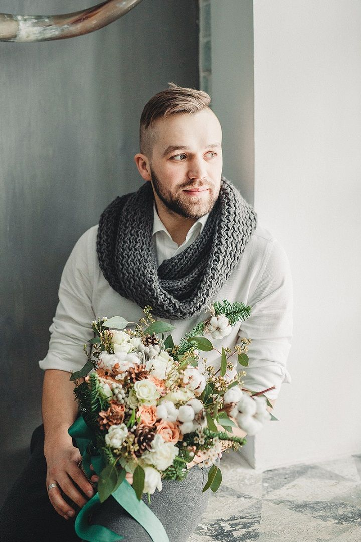 Rustic and cozy winter wedding styled shoot | Groom styled winter wedding | fabmood.com #winterwedding #groom #wedding #rusticwedding