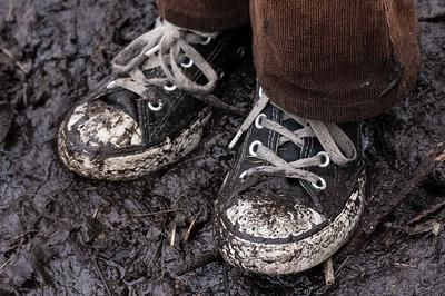 Baby Wipes Clean Everything!: Alternate Uses For This Common Item  - Wiping Off Shoes That Are Muddy Or Dirty