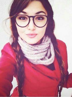هذه بطلة مسلسل بنات الشمس هي مسلسل تركية جديدة 2015 واسمها في المسلسل سيلين لكن الحقيقي هاندا Beauty Girl Hande Ercel Beauty