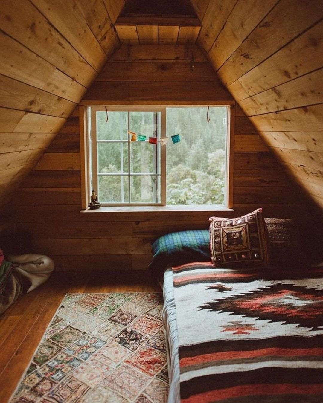 Rustic And Cozy Boho Cabin Makeover On A Budget 12 Decomagz Attic Renovation Cabin Attic Rooms