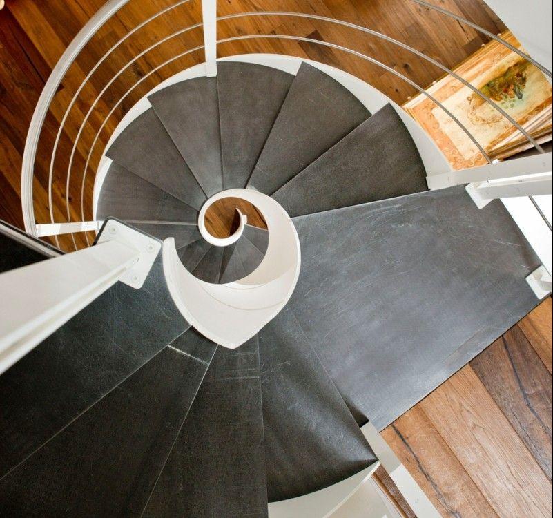 design treppe holz lebendig aussieht m belideen. Black Bedroom Furniture Sets. Home Design Ideas
