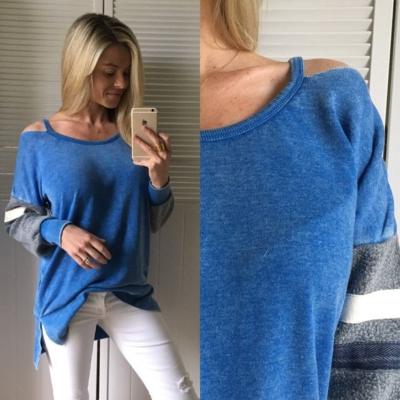 """🆕 Comfy Pullover Comfy cozy Pullover, perfect to snuggle up or run errands in. Cute blue, grey, and white colors and pairs with all denim great 👌🏼  •Modeling: Small •Fit: S: 23"""" Ch• 28"""" L ✨ M: 25"""" Ch• 28"""" L •Material: 55% Cotton• 45% Poly  Please use """"Self Checkout"""" if you aren't an Established Customer. Thank You 🙏🏼 Sweaters Crew & Scoop Necks"""