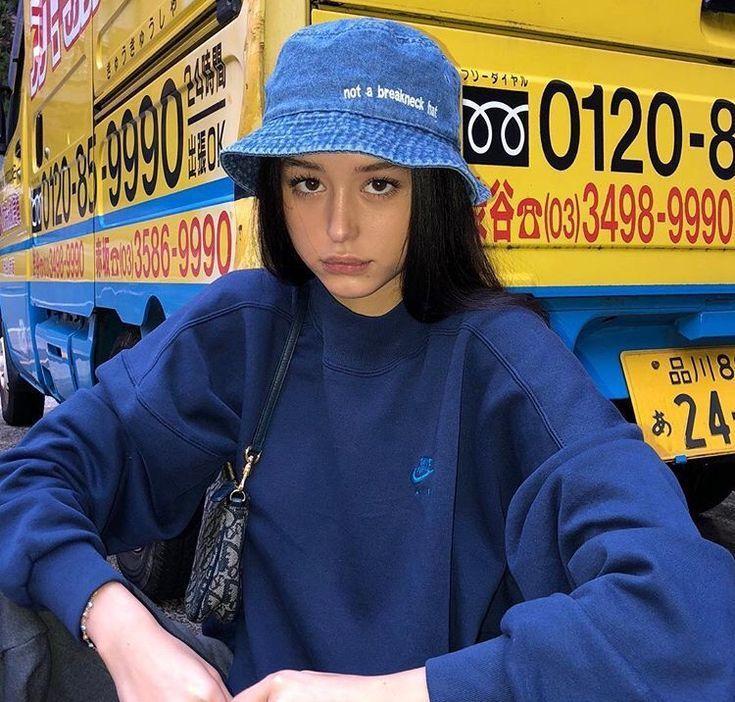 "Photo of ""Follow Nikkiowtx for more fits"" (jeans, bucket hat, streetwear, women's fashion …"