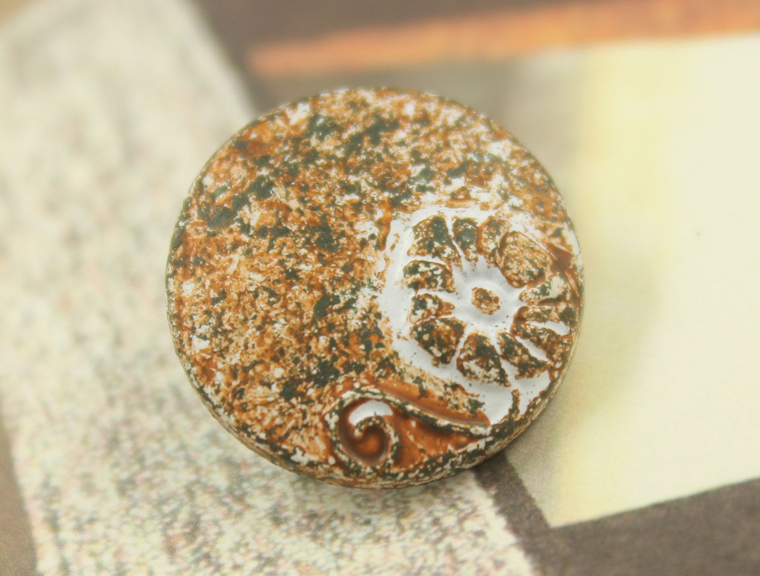 Metal Buttons - Morning Glory White Rust Metal Shank Buttons - 0.79 inch - 6 pcs by Lyanwood, $6.00
