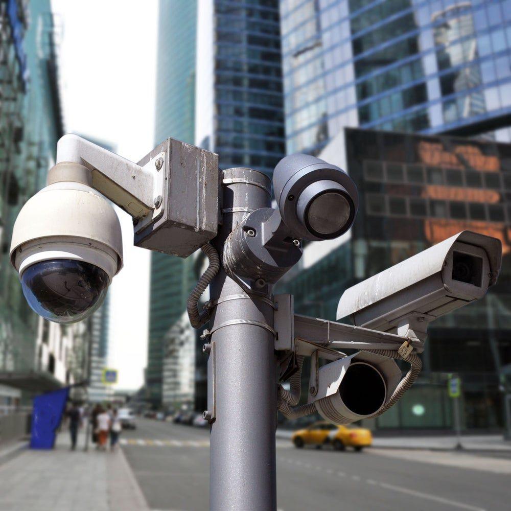 ملابس تستطيع تضليل كاميرات المراقبة وتحول الإنسان إلى سيارة Futuristic Background Cyborg Circuit
