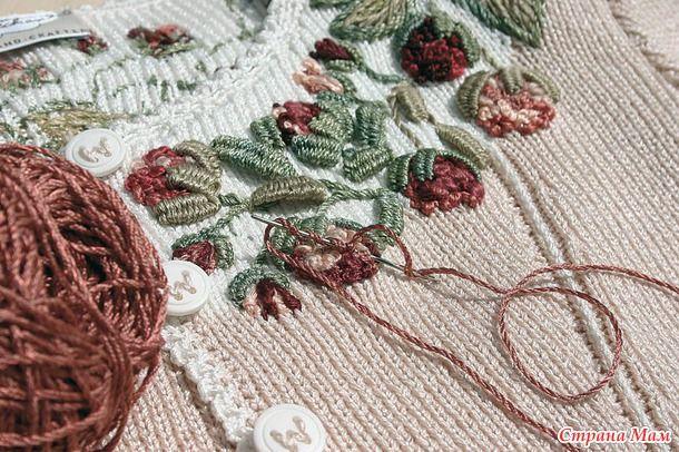 Вязанные кофточки с вышивкой, для вдохновения... много ...