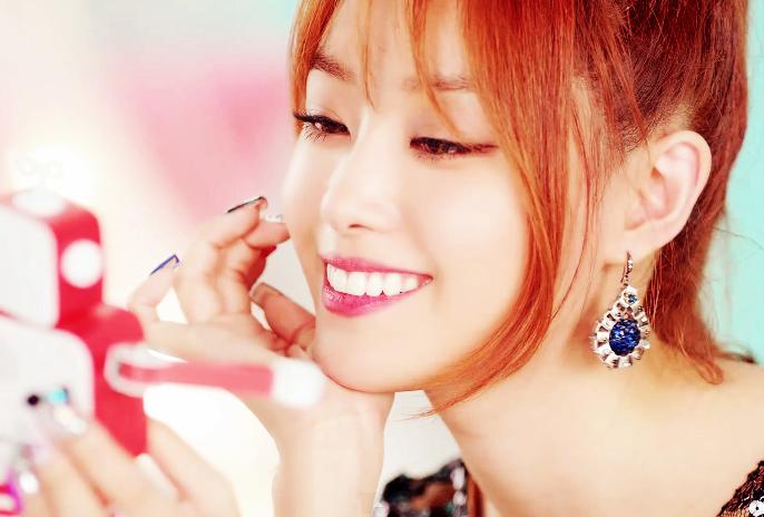 Capture MV SONG JIEUN - 예쁜나이 25 살