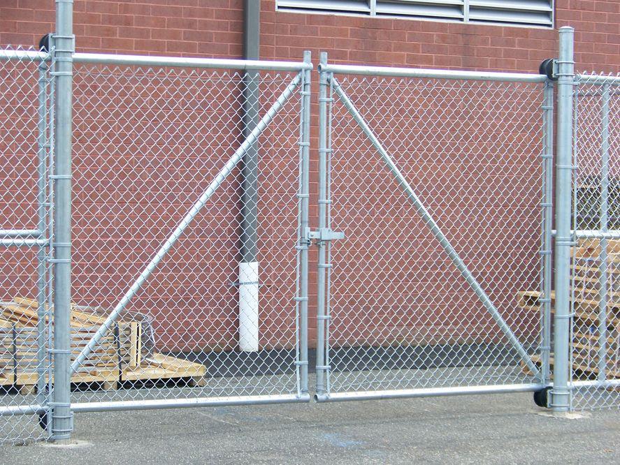 Puerta de tubo galvanizado alambre cicl n ideas hogar - Malla alambre galvanizado ...