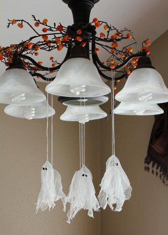 cheap easy Homemade halloween decoration chandelier hanging ghosts - cheap halloween decor ideas