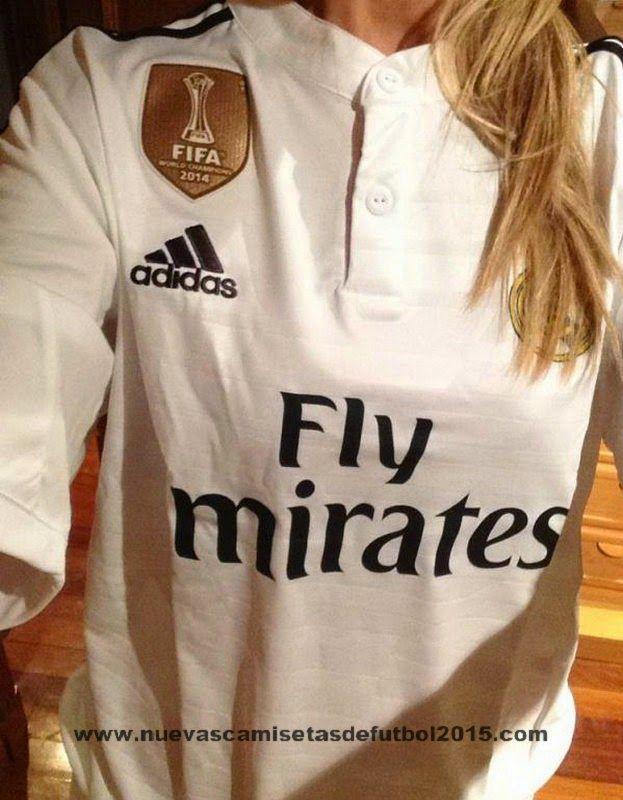 23ede9f36f9db Real Madrid Mundial de Campeones Camiseta - Clubes campeones del mundo  Camiseta con insignia 2014-2015