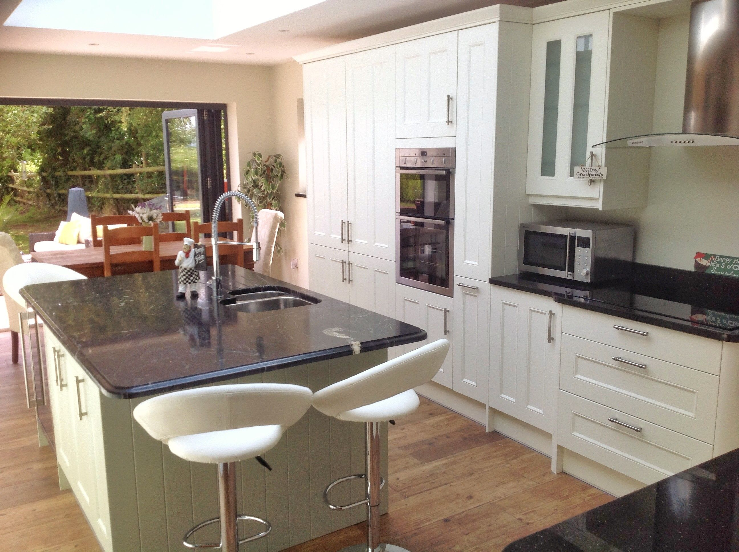 This Country Cream and Country Sage kitchen has 'summer