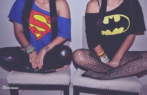 Bat man,Deve ser brasileira,Fashion,Girl,Photography,Super heros,Super man,Sitting,