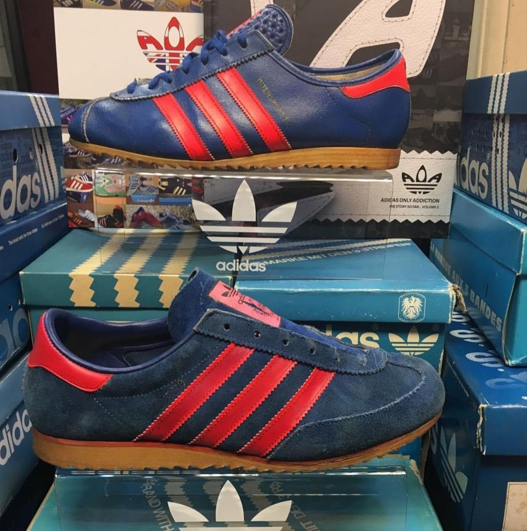 Claire Cromático Personal  Vintage Intersport (top) and Azzurro look very similar to the untrained  eye, toe boxes are the obvious major di… | Vintage adidas, Vintage  sneakers, Adidas trainers