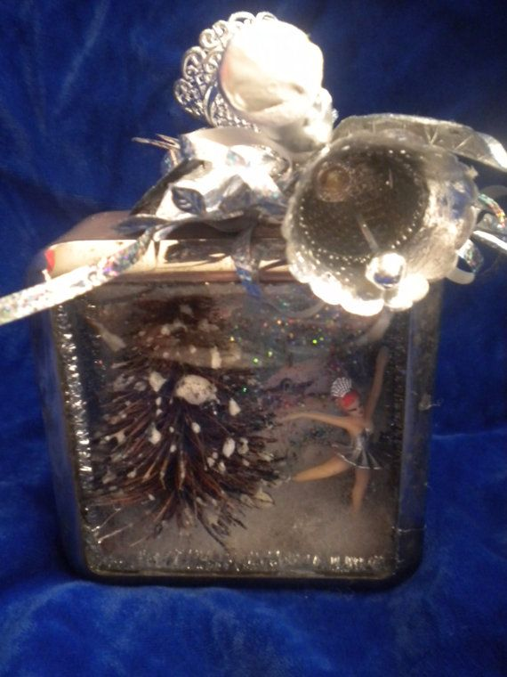 Upcycled Christmas Diorama/Shadowbox....Vintage by NobodysPerrfect