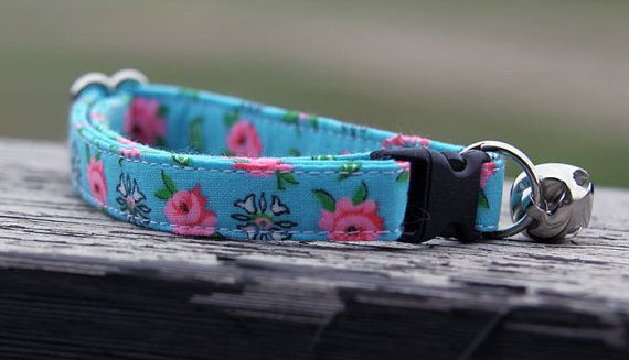 Vintage collection   Rosy Cat collar