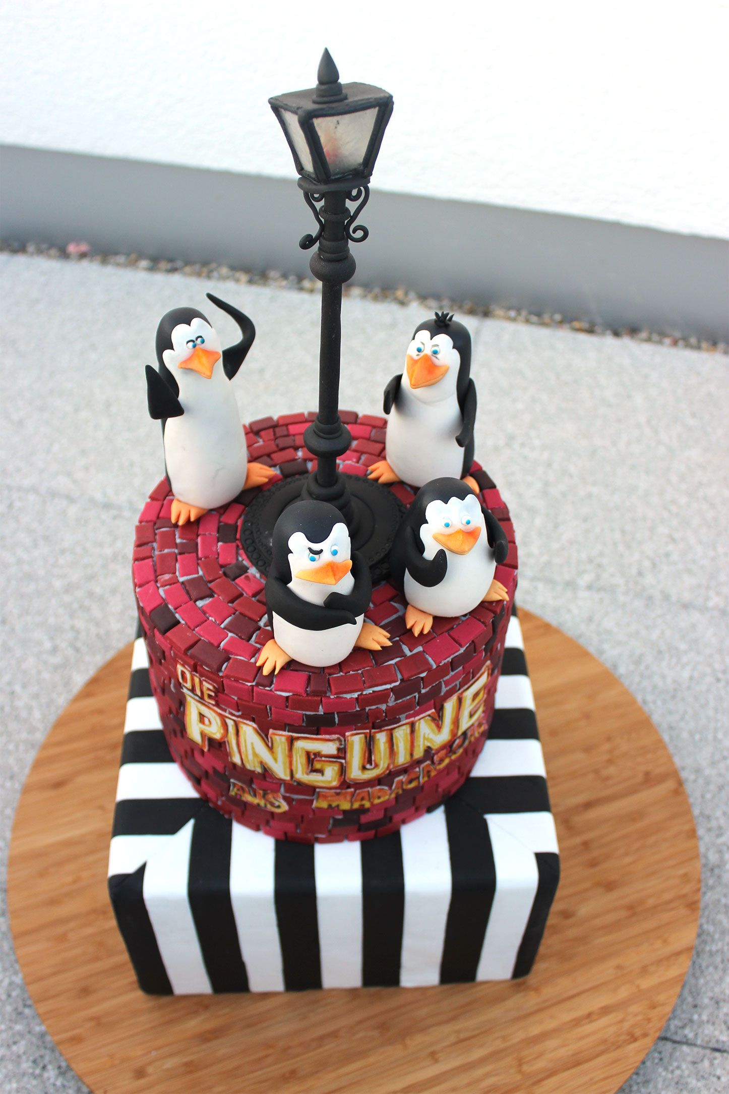 Kuchen dekoration pinguin