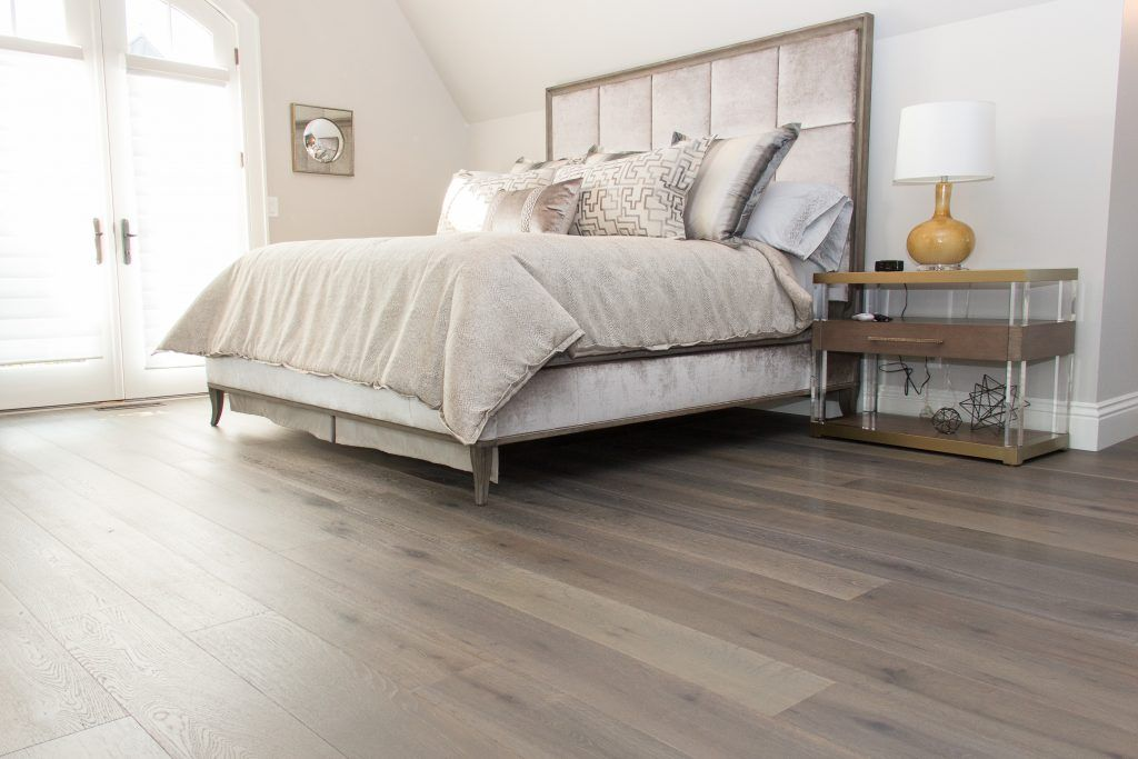 Best Flooring Hardwood Provenza Old World Premier Oak Grey 640 x 480