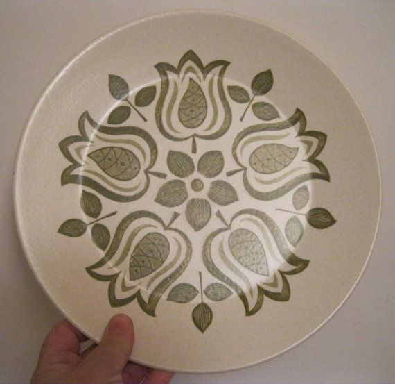 Items similar to Retro China - Funky floral vintage retro 10 inch dinner plate Very retro Tulip Time J \u0026 G Meakin china on Etsy & Funky floral vintage retro 10 inch dinner by 20thCenturyStuff ...