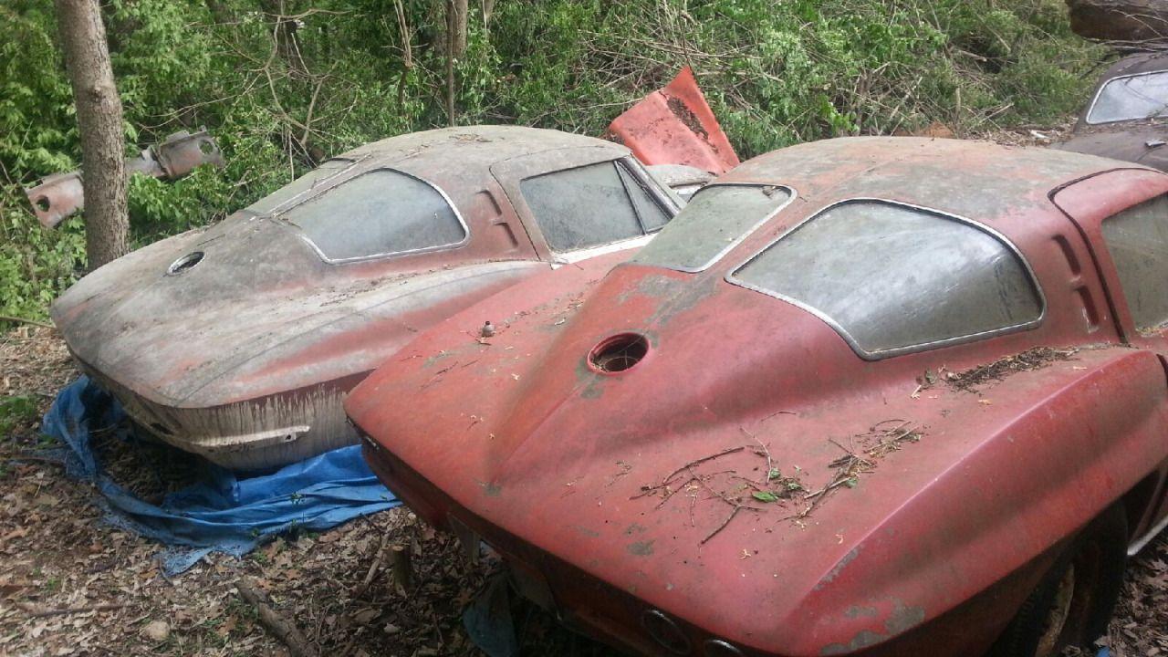 Gatsbywise - I can\'t believe it - 2 63 split window corvettes ...