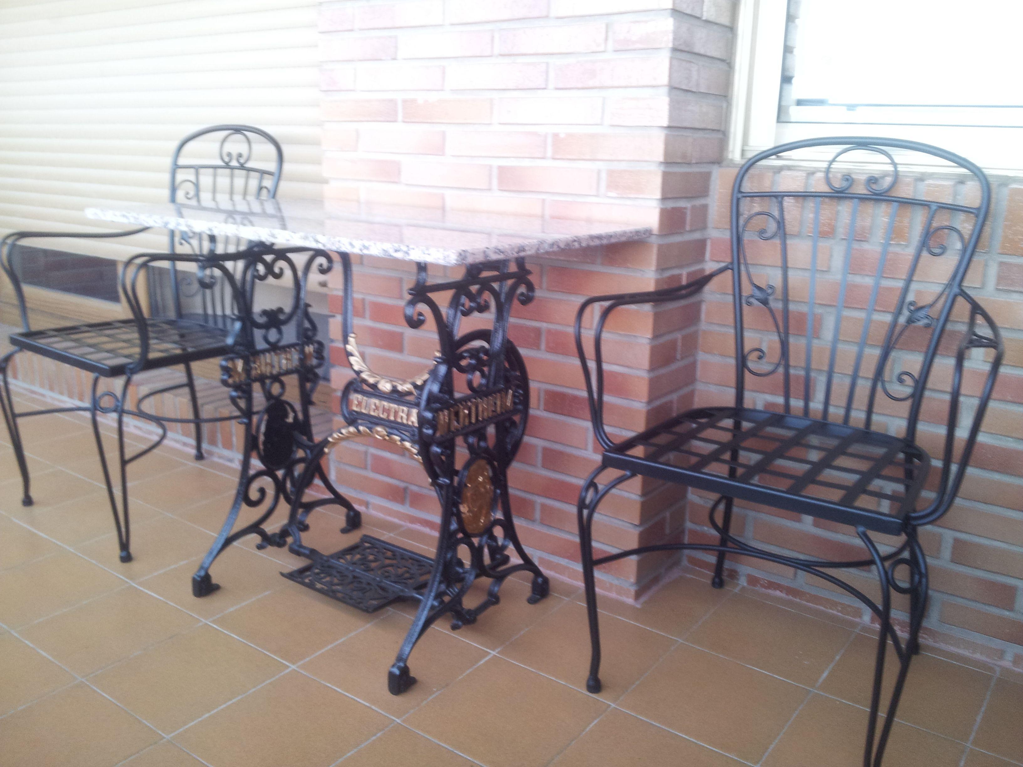 Terraza Con Sillón De Forja Modelo Sevilla En Www