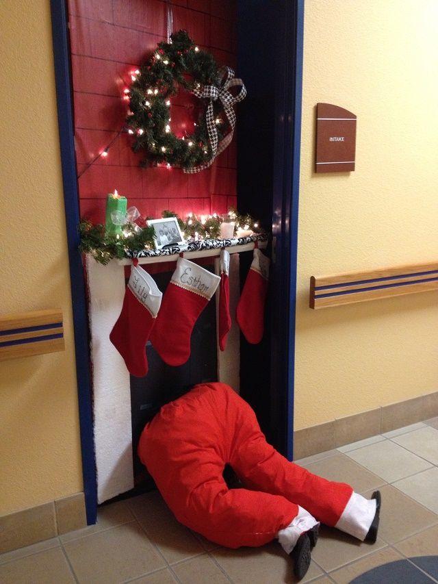 10 pretty christmas door decorations - Door Decorations