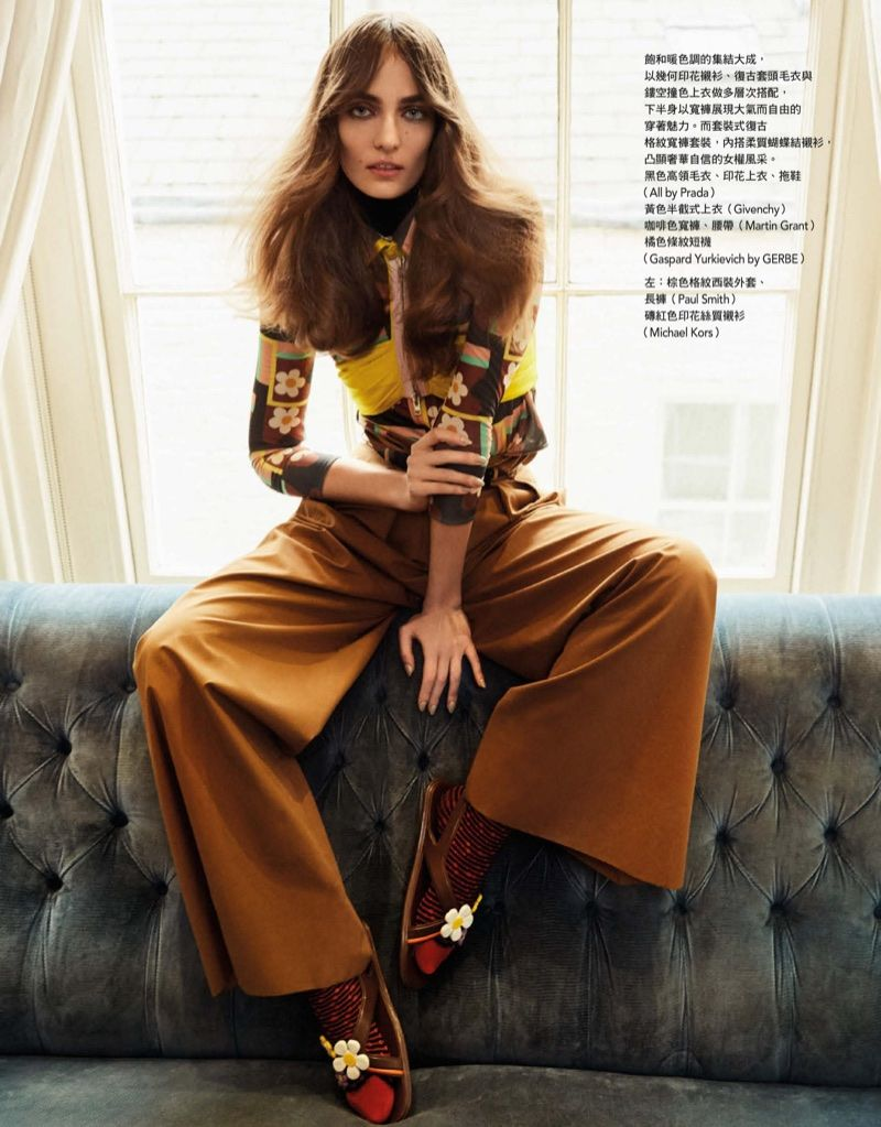 Zuzanna Bijoch Models Spring Beauty Trends For Vogue Taiwan 70s Inspired Fashion Vogue Photoshoot Vintage Fashion Photography