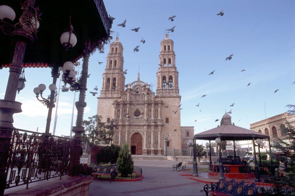 El paso texas the gateway to chihuahua mexican auto