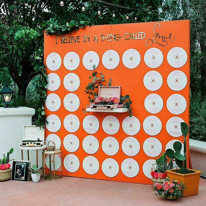 Vintage records as seating chart display #weddingideas #unconventional #wedding #coolideas #uniquewedding