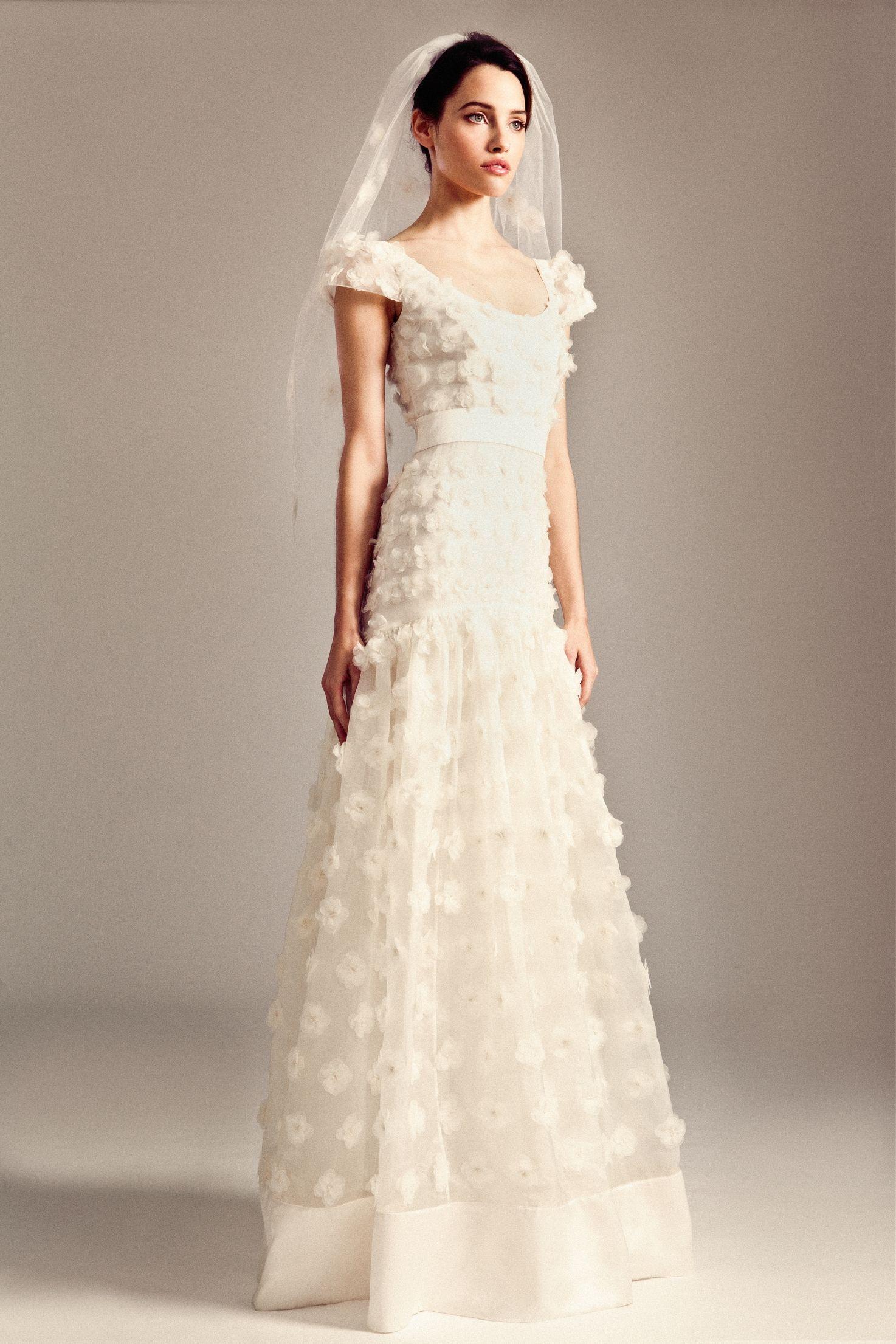 Europe dresses 2018 - Kelly clarkson wedding dress temperley bridal