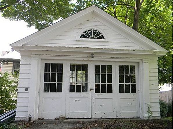 Garage of 1895 Colonial Revival home in Bangor, Maine
