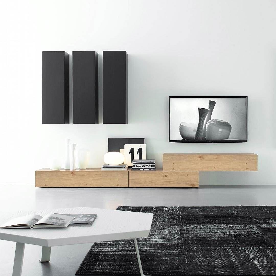 Wohnwand design  Die moderne und hochwertige Wohnwand C14B von Livitalia hat ein ...