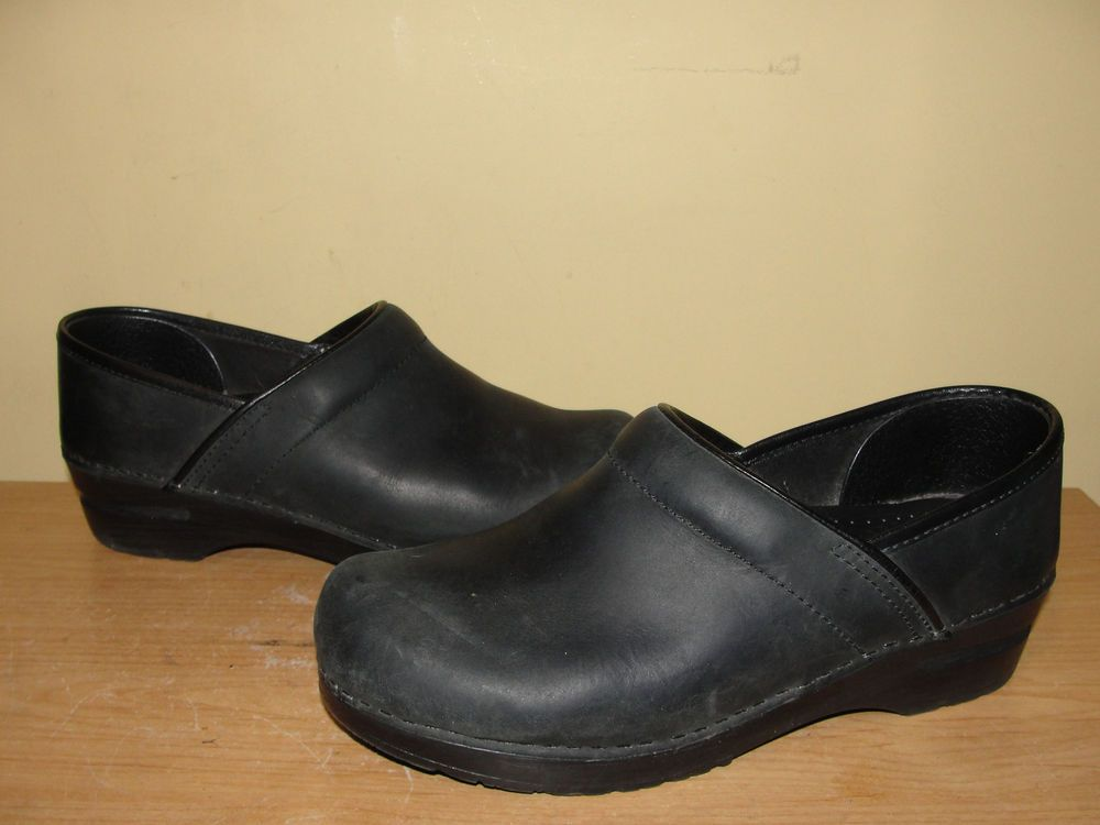 DANSKO Professional Sz 39 Black Leather Slip-on Clog Shoe Nurses
