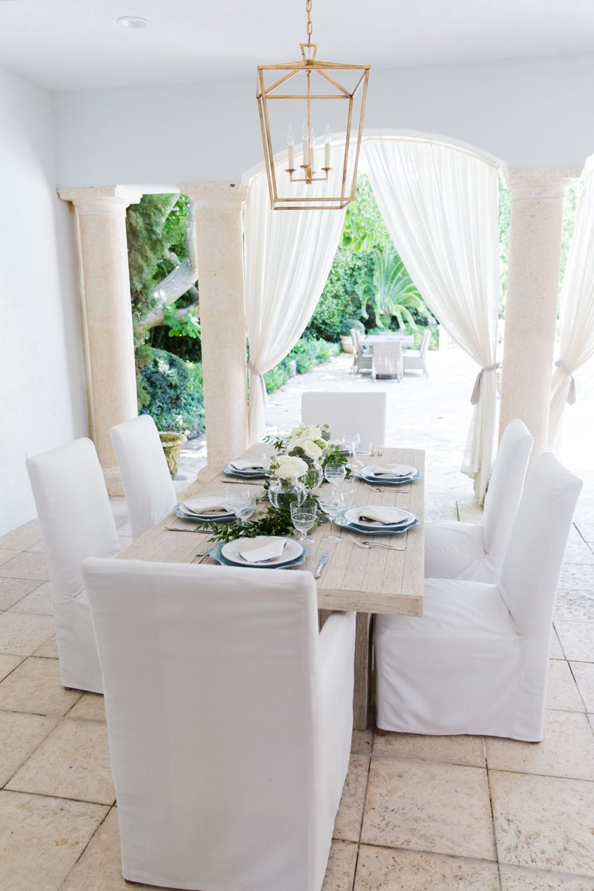 Attractive This All White Outdoor Kitchen Provides An Elegant Set Up For Entertaining  Guests. Nice Ideas