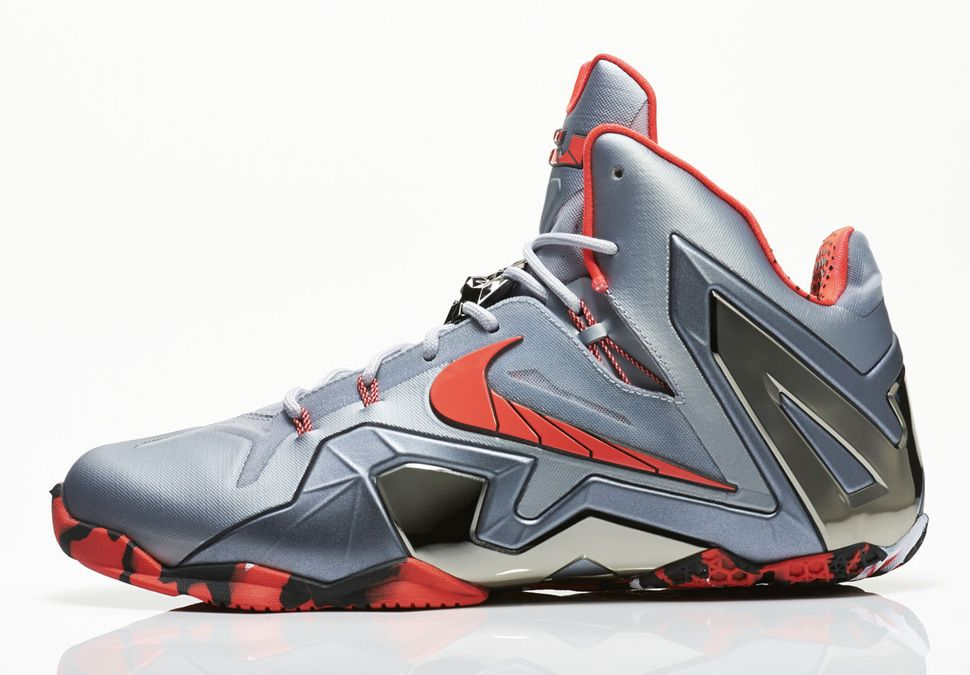 Nike Basketball Elite Team: LeBron XI
