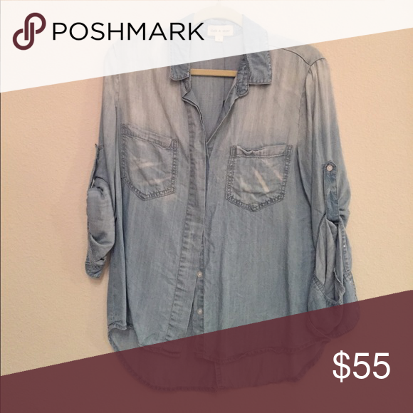 Cloth and stone chambray top . Not Bella dahl but owned my same company Anthropologie Tops Button Down Shirts