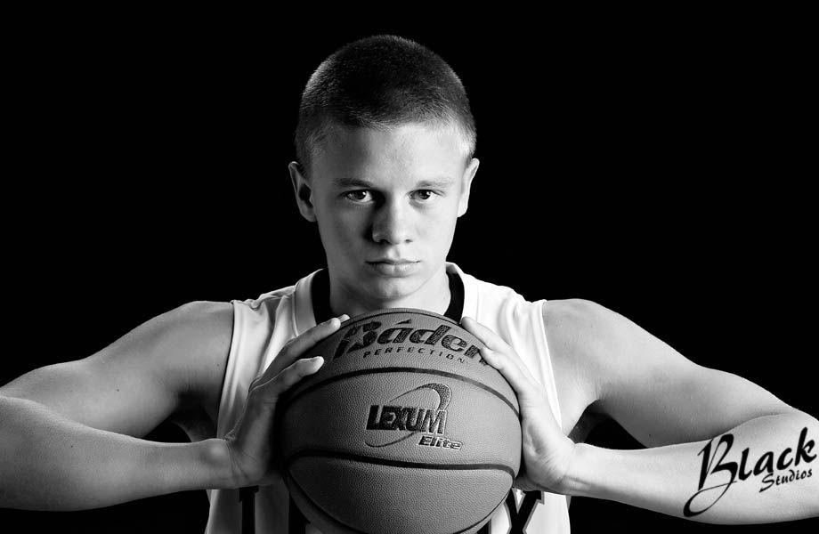 картинки парень на баскетболе