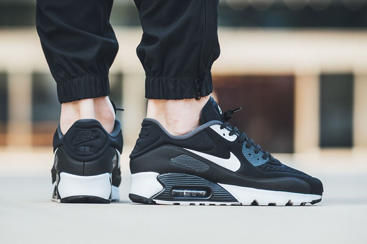 dae59d90e0c Nike Air Max 90 Ultra SE Drops in Black   Grey Colorways