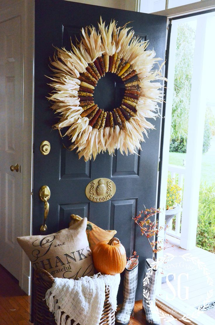 INDIAN CORN WREATH DIY Indian corn wreath, Wreaths and Doors - Front Door Halloween Decoration Ideas