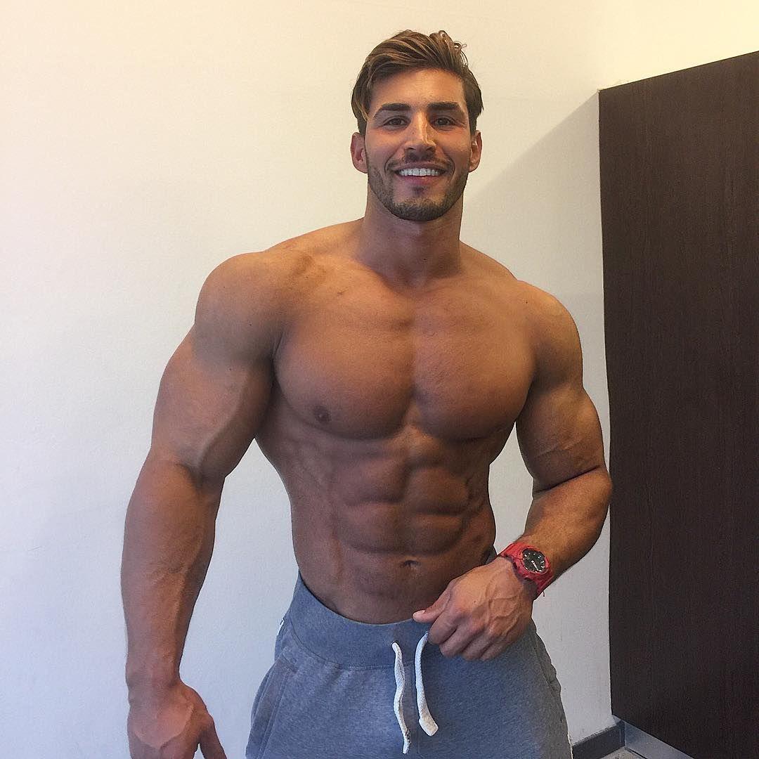 super sexy men naked bodybuilders