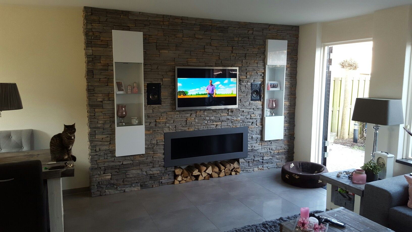 Tv Wand Pinterest Tv Wand Gemaakt Met Steen Strips Tv Muur Meubel Home Decor Wands