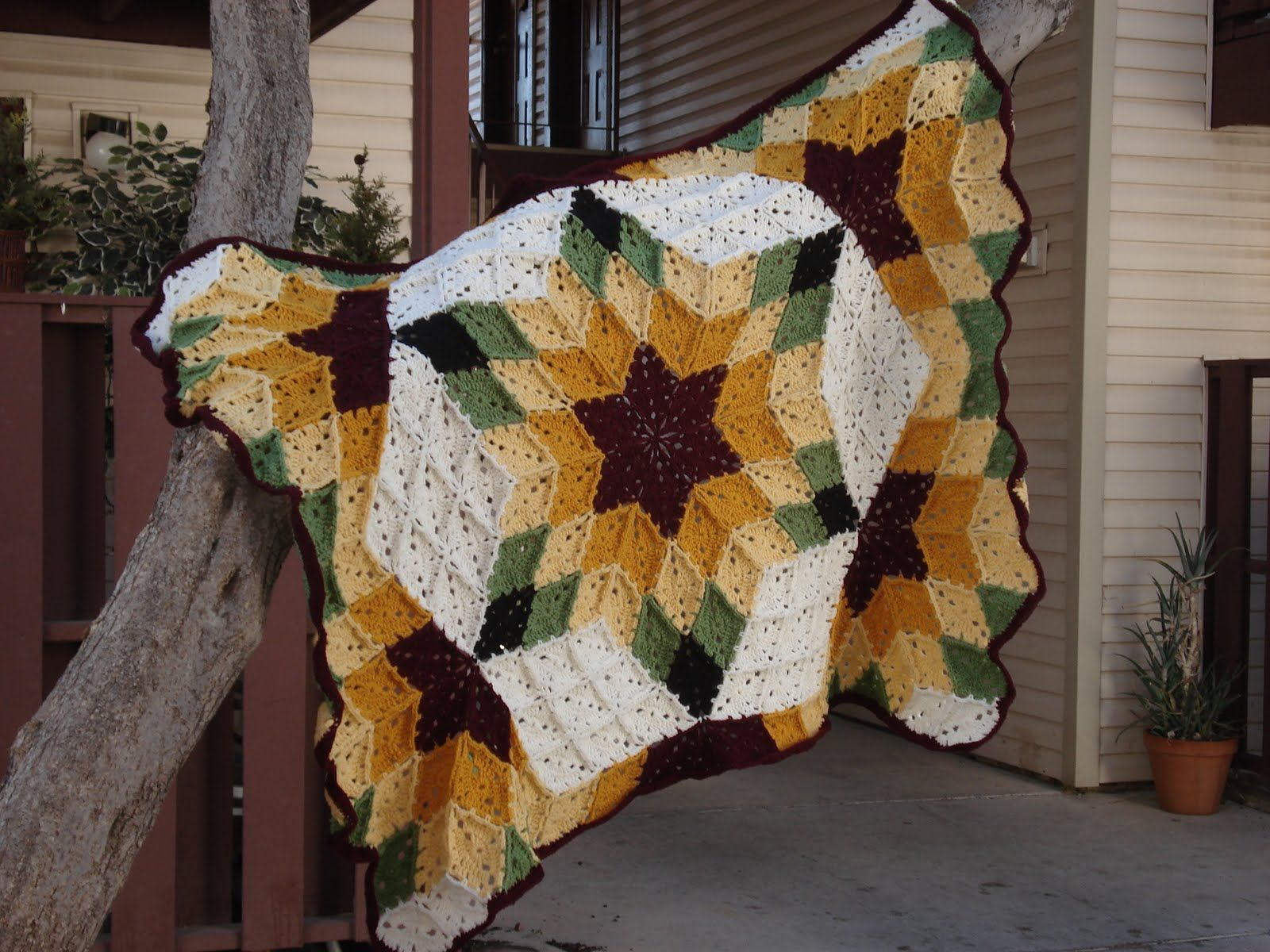 This this is a sweet crochet take on a quilting look love it patterns bankloansurffo Choice Image