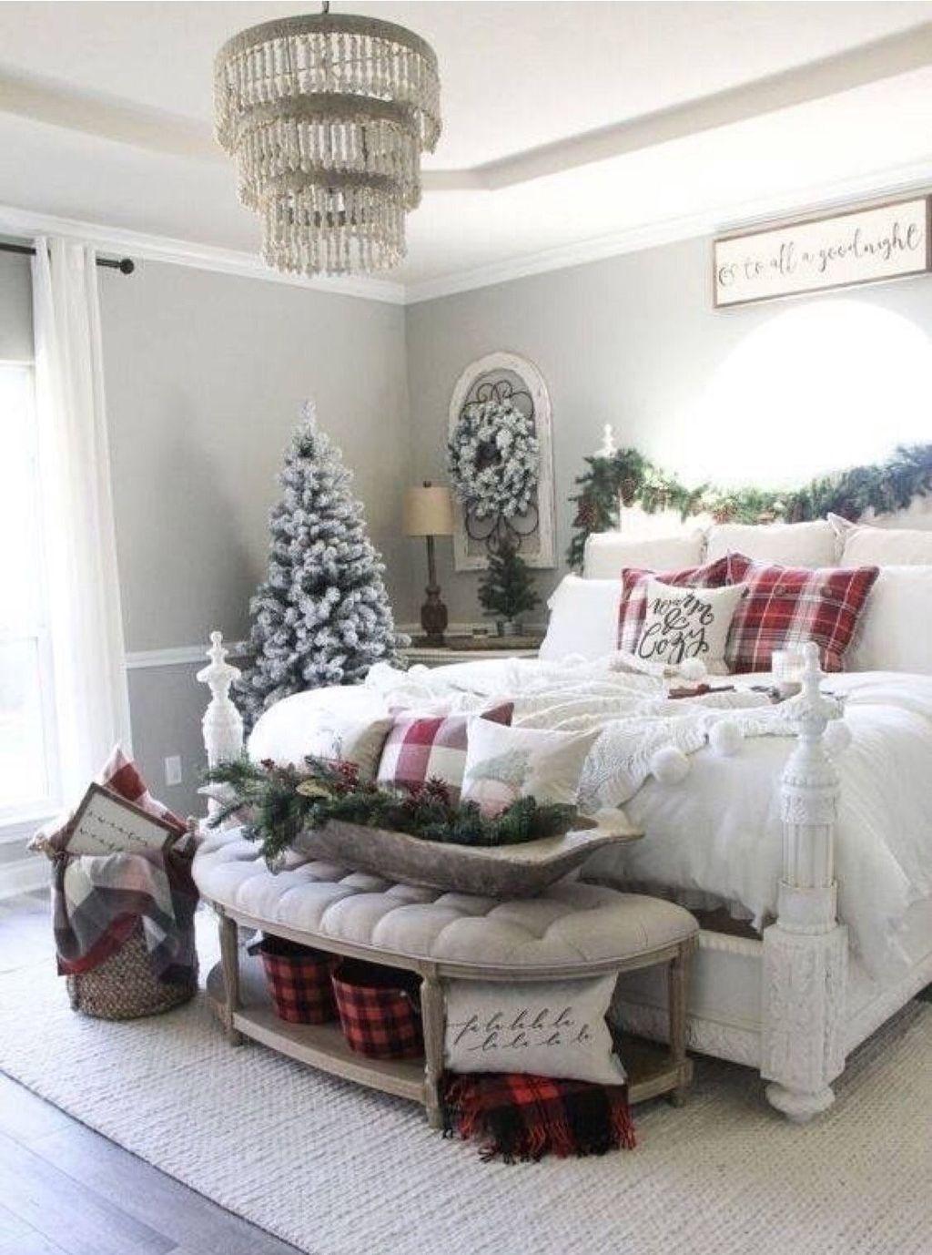 40 Lovely Winter Wonderland Home Decoration Ideas Look Beautiful Pimphomee Christmas Apartment Christmas Decorations Bedroom Pretty Christmas Decorations