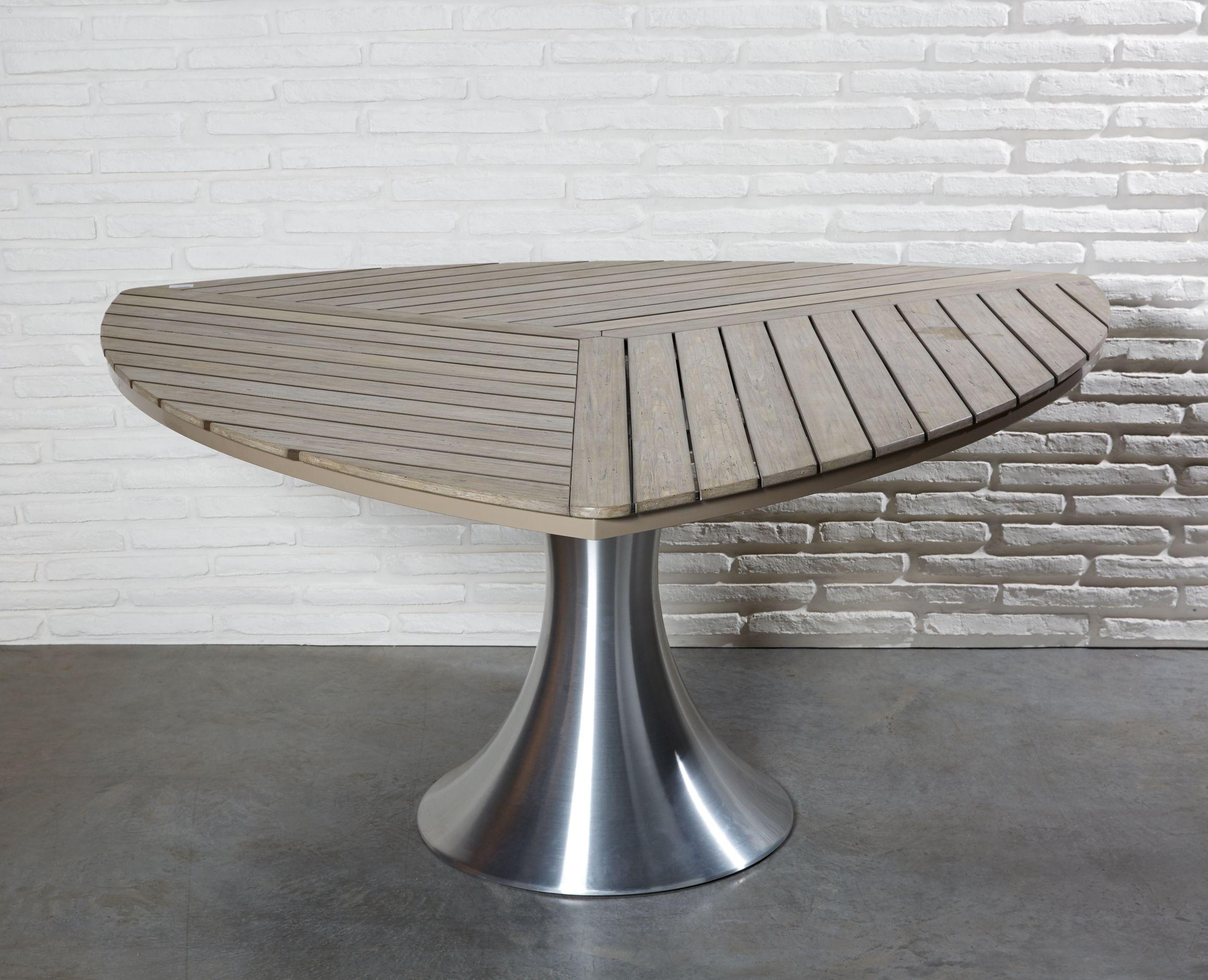 Moderner Esstisch In Dreiecksform Mit Polywood Platte Und Massivem