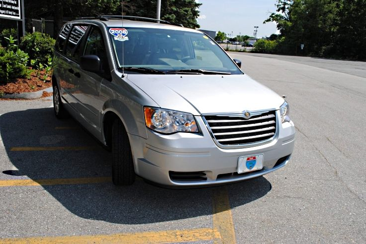 2008 Chrysler Town & Country LX Silver this is the