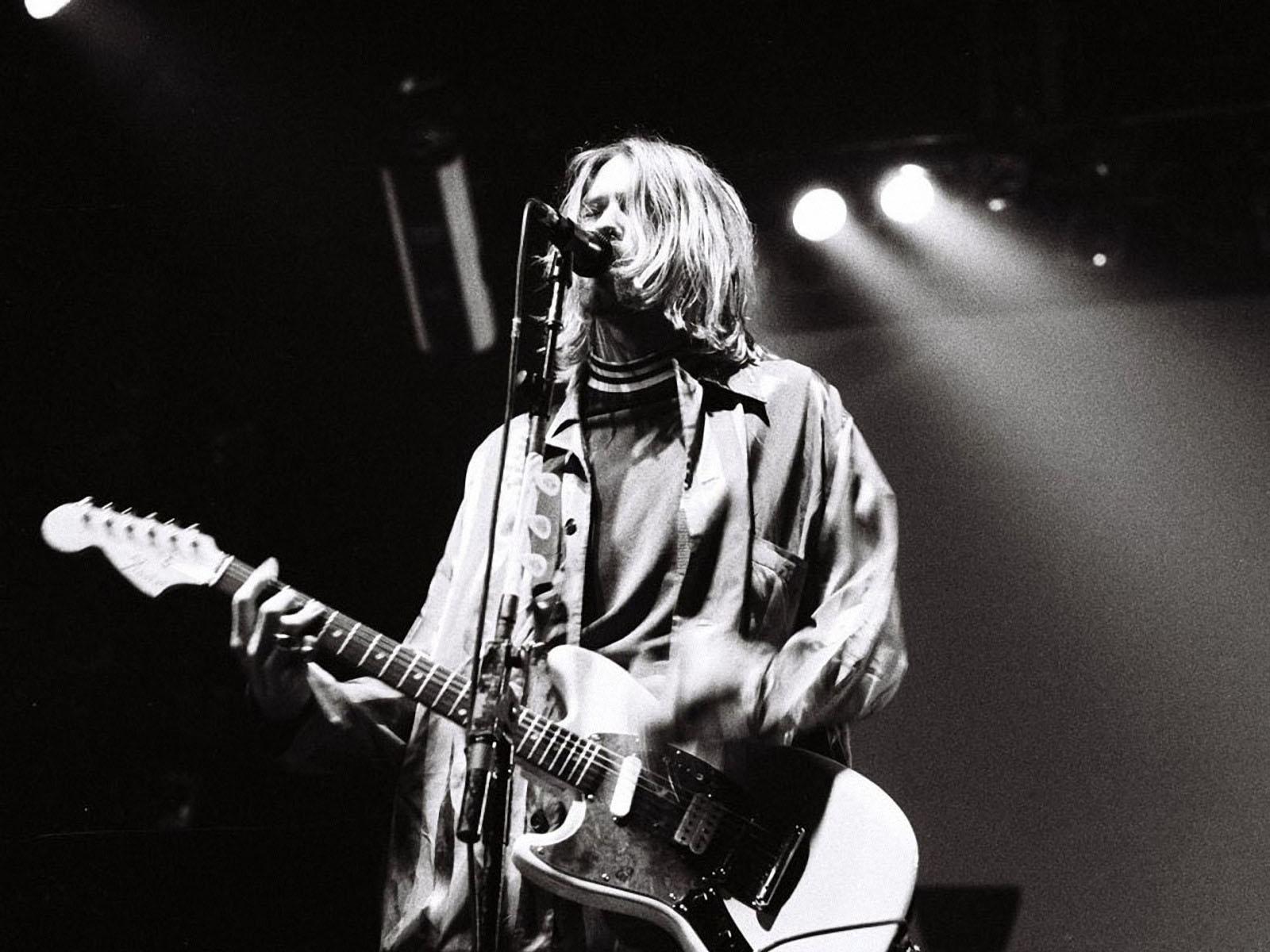 Kurt Cobain Wallpaper Nirvana The Person Listening Desktop 1600 1200 Kurt Cobain Wallpaper 43 Wallpapers Adorable W Nirvana Music Nirvana Wallpaper Nirvana