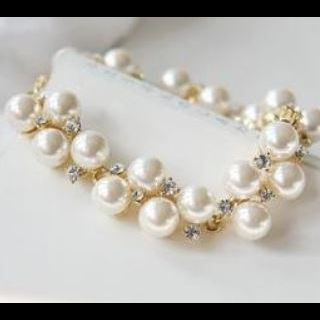 Pearl and Rhinestone Bracelet in Goldtone and Silvertone