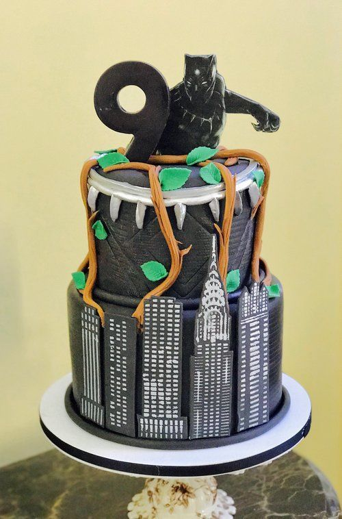 A Really Cool Black Panther Cake For A Birthday Party The