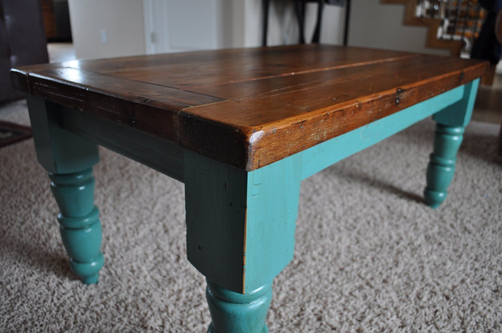 I M Seriously Thinking Of Painting My Studio Room Alder Farmhouse Table S Legs Teal Like In This Photo From Plain Jane Painted Fur Teal Coffee Tables Coffee Table Upcycle Painted Furniture [ 1063 x 1600 Pixel ]