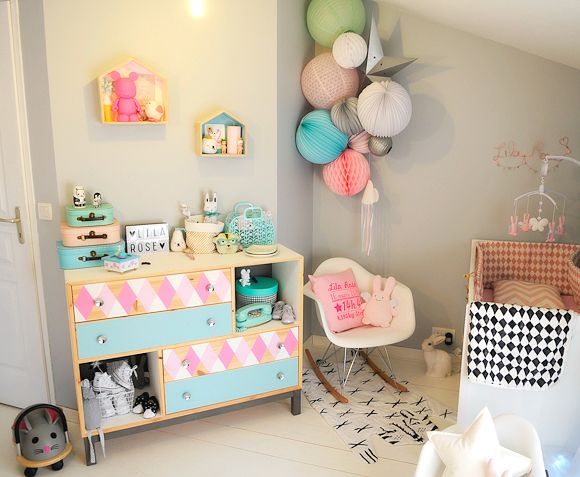 La chambre bébé de Lila Rose Armoires, Kids rooms and Room