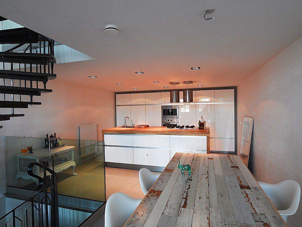 Modern interieur in oude fabriek. Meer fantastische eetkamers en ...
